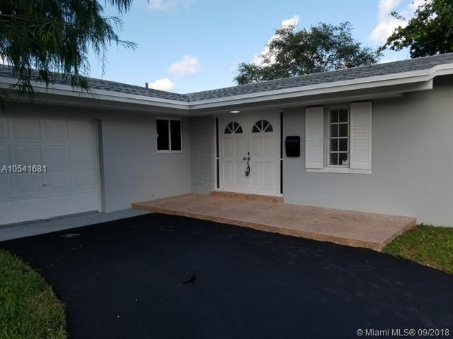 20053 SW 103rd Ave, Cutler Bay, FL 33189 (MLS #A10541681) :: Hergenrother Realty Group Miami