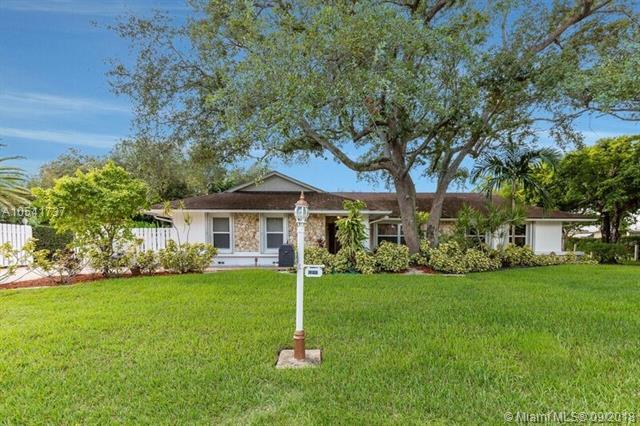 8280 SW 89th St, Manalapan, FL 33156 (MLS #A10541737) :: Hergenrother Realty Group Miami