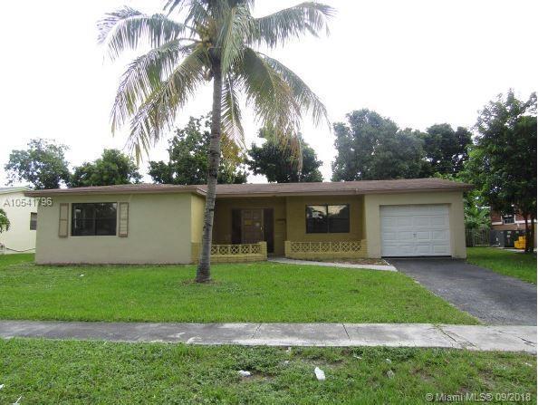 3920 NW 34th Ter, Lauderdale Lakes, FL 33309 (#A10541796) :: Atlantic Shores