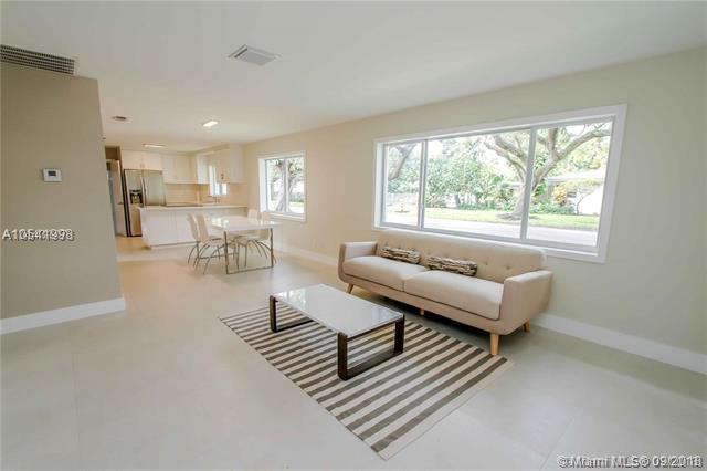 500 NE 92nd St, Miami Shores, FL 33138 (MLS #A10541998) :: Calibre International Realty