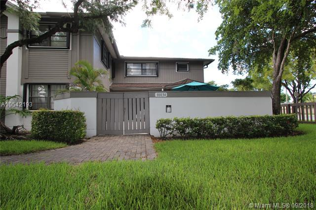 10034 NW 52nd Ter -, Doral, FL 33178 (MLS #A10542193) :: Calibre International Realty