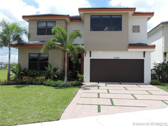 15504 NW 89th Ct, Miami Lakes, FL 33018 (MLS #A10542218) :: Albert Garcia Team