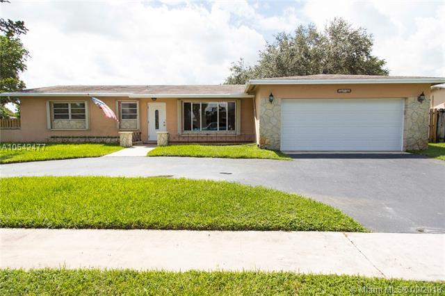 11000 NW 21 St, Pembroke Pines, FL 33026 (MLS #A10542477) :: Calibre International Realty