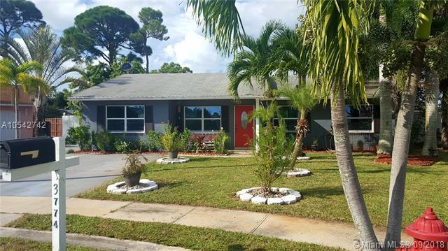 3774 Ramblewood Ct, Green Acres, FL 33467 (MLS #A10542742) :: Green Realty Properties