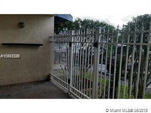 32 NE 22nd Ave #101, Pompano Beach, FL 33062 (MLS #A10542829) :: Green Realty Properties