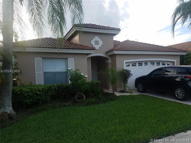 500 NW 166 Ave, Pembroke Pines, FL 33028 (MLS #A10542969) :: Albert Garcia Team