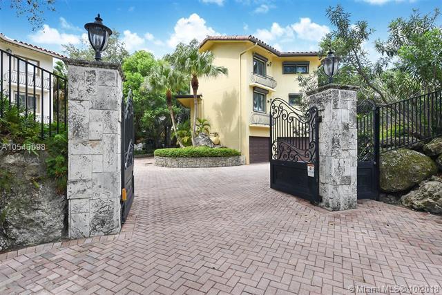 2449 S Bayshore Drive, Coconut Grove, FL 33133 (MLS #A10543098) :: The Riley Smith Group