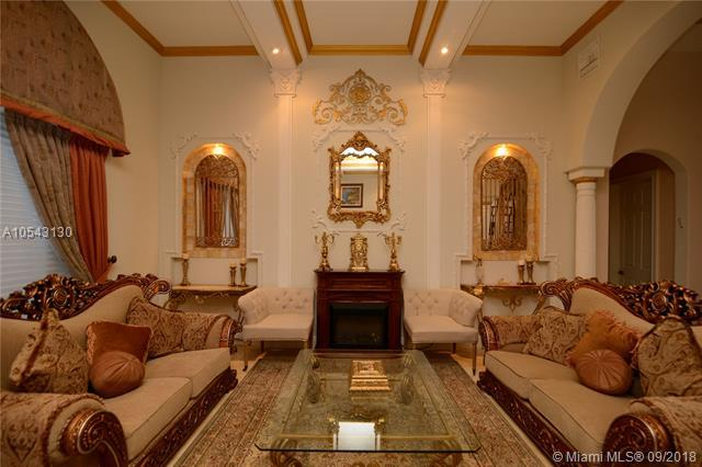 904 Manatee Way, Hollywood, FL 33019 (MLS #A10543130) :: Green Realty Properties