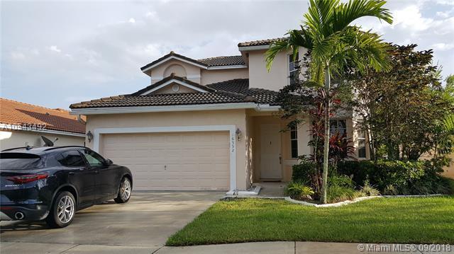 16552 NW 22nd St, Pembroke Pines, FL 33028 (MLS #A10543492) :: Albert Garcia Team