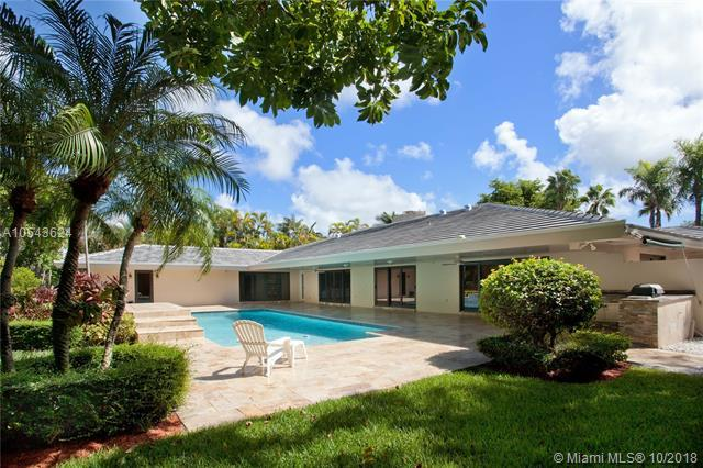 7322 Vistalmar St, Coral Gables, FL 33143 (MLS #A10543624) :: Hergenrother Realty Group Miami