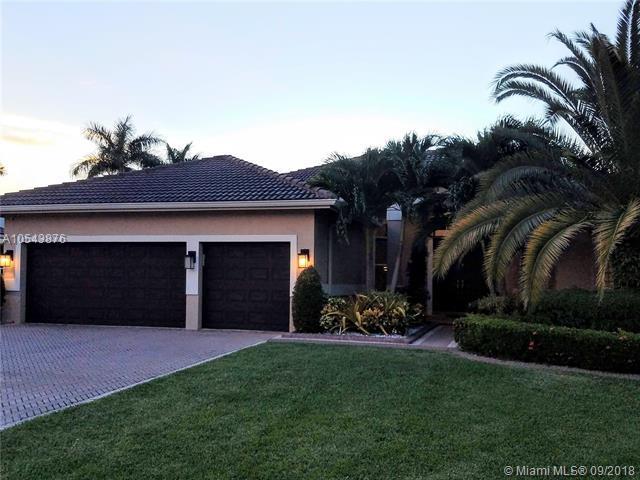 1101 Waterside Cir, Weston, FL 33327 (MLS #A10543876) :: Green Realty Properties