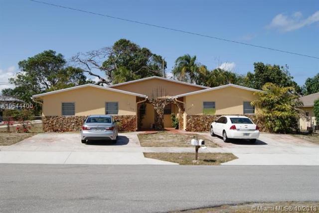 227 SW 2nd Ave, Boynton Beach, FL 33435 (MLS #A10544400) :: Miami Villa Team
