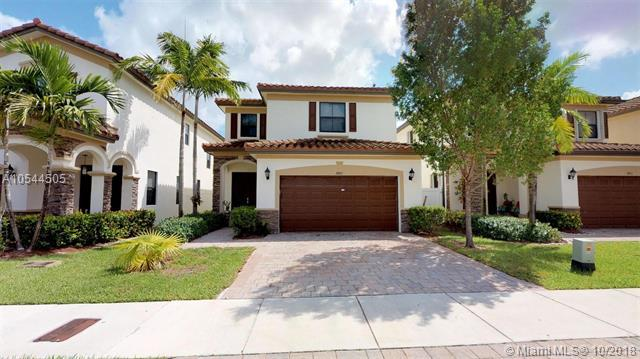 8861 W 34th Ct, Hialeah, FL 33018 (MLS #A10544505) :: The Teri Arbogast Team at Keller Williams Partners SW