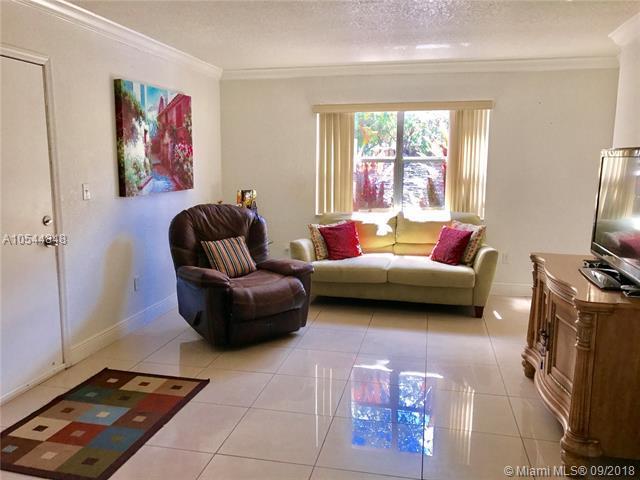8009 W 6th Ave D, Hialeah, FL 33014 (MLS #A10544848) :: Green Realty Properties
