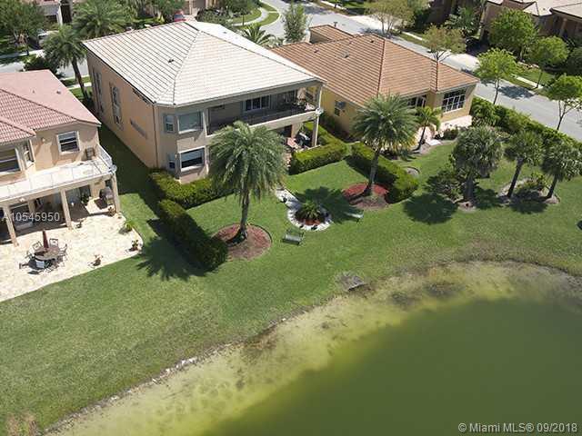 16724 SW 10TH ST, Pembroke Pines, FL 33027 (MLS #A10545950) :: Green Realty Properties