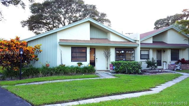 4330 Palm Forest Dr S #4330, Delray Beach, FL 33445 (MLS #A10546106) :: The Teri Arbogast Team at Keller Williams Partners SW