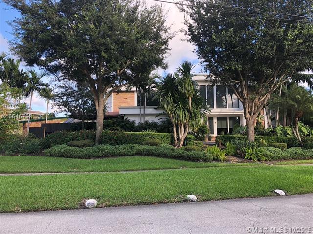 19361 NE 19th Pl, North Miami Beach, FL 33179 (MLS #A10546798) :: Green Realty Properties
