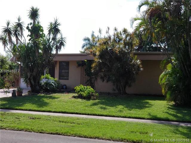 7907 NW 67th Ave, Tamarac, FL 33321 (MLS #A10546977) :: Green Realty Properties