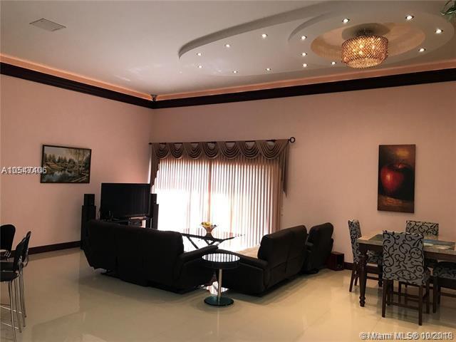 517 Leslie Dr, Hallandale, FL 33009 (MLS #A10547406) :: Green Realty Properties