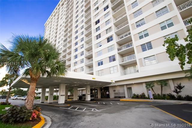 300 Bayview Dr #212, Sunny Isles Beach, FL 33160 (MLS #A10547431) :: Grove Properties
