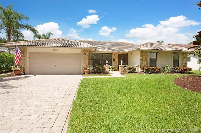 170 NW 112th Ln, Coral Springs, FL 33071 (MLS #A10547618) :: Green Realty Properties