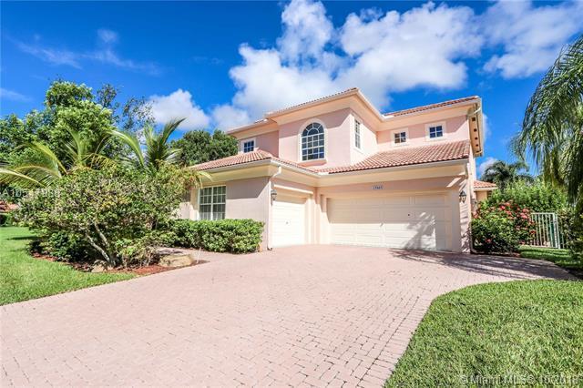 15665 SW 17th St, Davie, FL 33326 (MLS #A10547988) :: Green Realty Properties