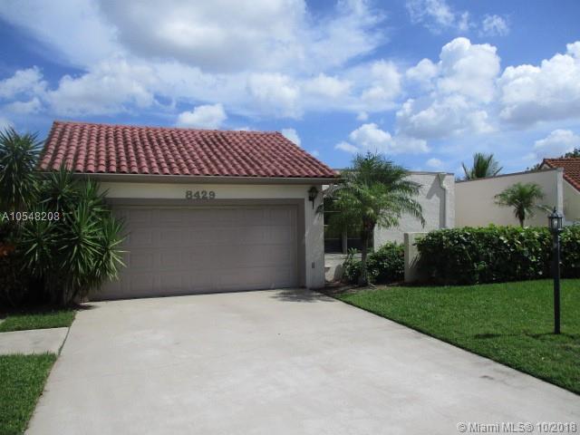 8429 Bonita Isle Dr, Lake Worth, FL 33467 (MLS #A10548208) :: Miami Villa Team