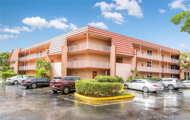 9151 Lime Bay Blvd #103, Tamarac, FL 33321 (MLS #A10548297) :: Green Realty Properties