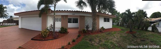 1360 SE 3rd Ter, Pompano Beach, FL 33060 (MLS #A10549438) :: Green Realty Properties