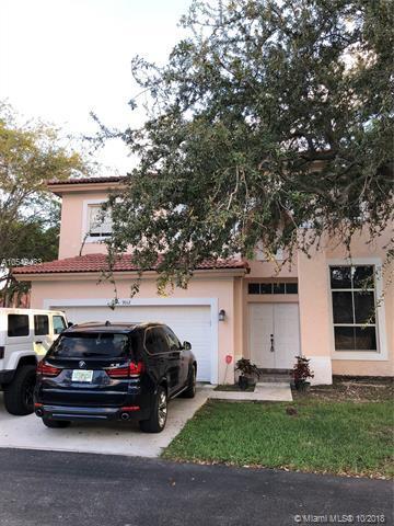 9012 SW 215th St, Cutler Bay, FL 33189 (MLS #A10549483) :: Green Realty Properties