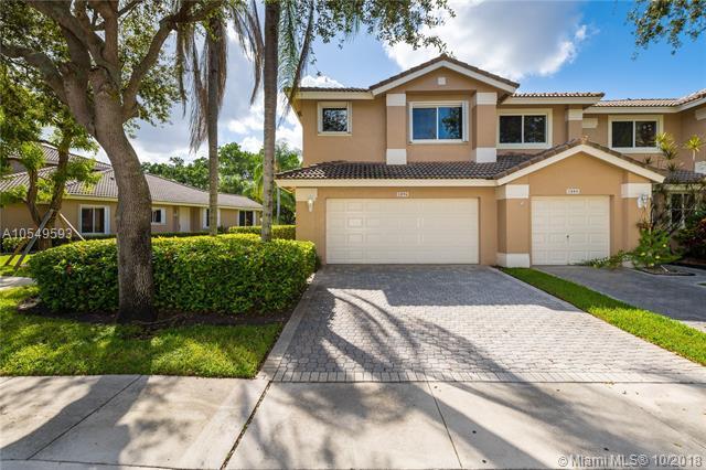 1096 SW 158th Way, Pembroke Pines, FL 33027 (MLS #A10549593) :: Green Realty Properties