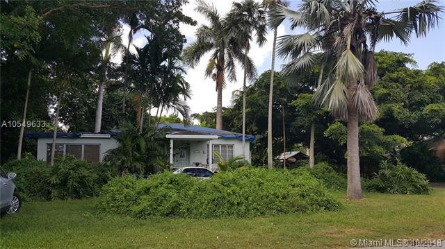 6747 SW 78th Terrace, South Miami, FL 33143 (MLS #A10549633) :: Carole Smith Real Estate Team