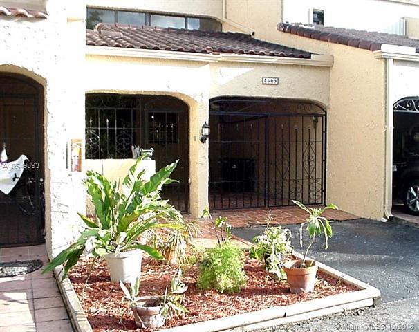 3509 Estepona Ave #23, Doral, FL 33178 (MLS #A10549893) :: Green Realty Properties