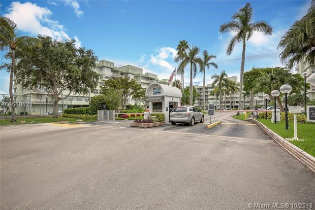16546 NE 26TH AVENUE 5D, North Miami Beach, FL 33160 (MLS #A10550038) :: Green Realty Properties