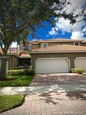 2651 E Aragon Blvd #3, Sunrise, FL 33313 (MLS #A10550340) :: Green Realty Properties