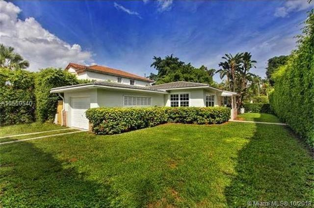 3934 Riviera Dr, Coral Gables, FL 33134 (MLS #A10550540) :: The Jack Coden Group