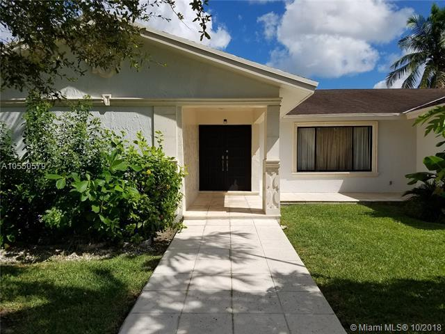 10565 SW 129th Ct, Miami, FL 33186 (MLS #A10550579) :: Green Realty Properties