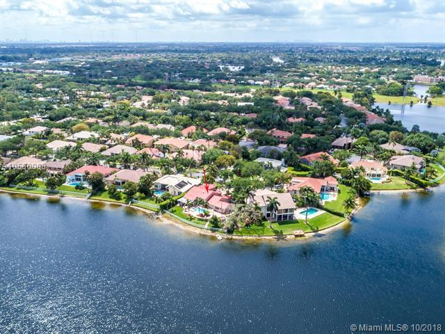 10883 Denver Dr, Cooper City, FL 33026 (MLS #A10550908) :: RE/MAX Presidential Real Estate Group