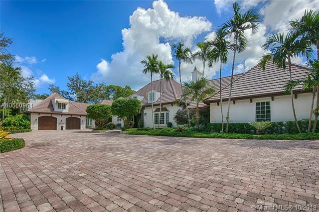 220 Leucadendra Dr, Coral Gables, FL 33156 (MLS #A10550961) :: The Adrian Foley Group