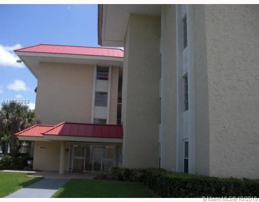 605 S Pine Island Rd 203A, Plantation, FL 33324 (MLS #A10550982) :: The Teri Arbogast Team at Keller Williams Partners SW