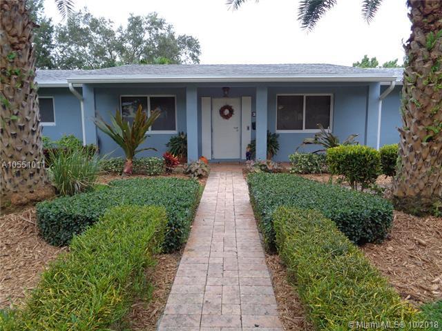 7920 SW 160th St, Palmetto Bay, FL 33157 (MLS #A10551011) :: Carole Smith Real Estate Team