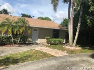 7317 Cocoanut Dr, Lake Worth, FL 33467 (MLS #A10551025) :: Green Realty Properties