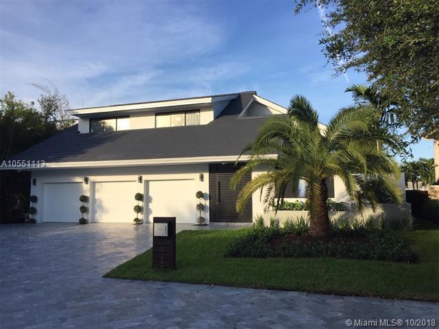 1945 NE 118th Rd, North Miami, FL 33181 (MLS #A10551113) :: The Jack Coden Group