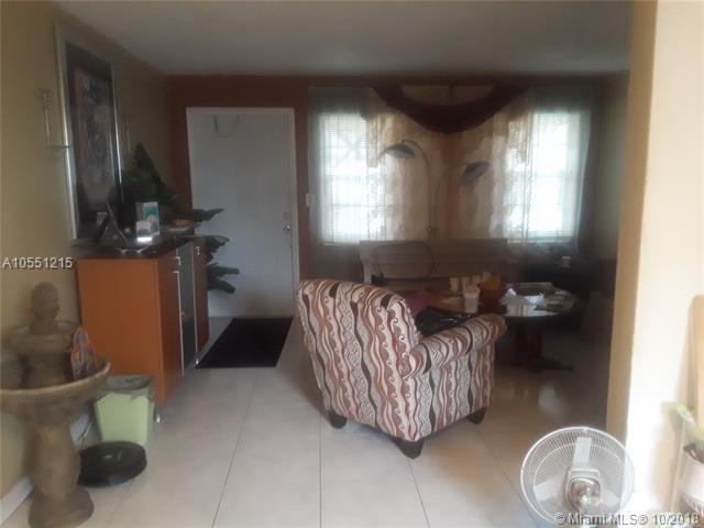 2205 Mayo, Hollywood, FL 33020 (MLS #A10551215) :: Green Realty Properties
