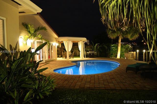 2460 SE 9th St, Pompano Beach, FL 33062 (MLS #A10551457) :: Green Realty Properties