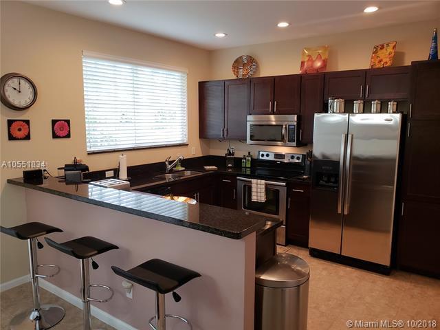 10329 Trivero Ter, Boynton Beach, FL 33437 (MLS #A10551834) :: Green Realty Properties