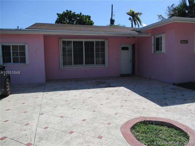 13865 NE 11th Ave, North Miami, FL 33161 (MLS #A10551848) :: The Jack Coden Group