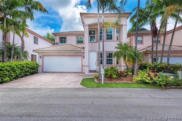 208 SE 15th St, Dania Beach, FL 33004 (MLS #A10551997) :: Green Realty Properties