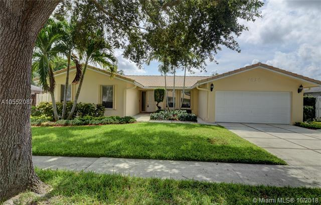 7620 Plantation Rd, Plantation, FL 33324 (MLS #A10552087) :: Green Realty Properties