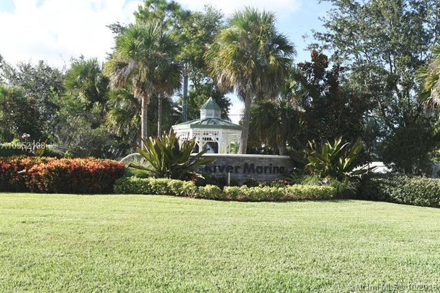 3260 SW Porpoise Cir, Stuart, FL 34997 (MLS #A10552188) :: The Riley Smith Group